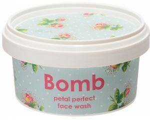 FACE WASH BOMB COSMETICS PETAL PERFECT 210ML